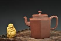 何卫枫紫砂壶 全手新作 精工大气 挺拔清秀 六方吉壶 原矿底槽清 - 美壶网