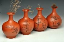 朱牧清紫砂壶 朱牧青老师原矿小红泥花瓶一套  做工精细  刻绘生动 原矿红泥 - 美壶网