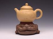 茶宠雕塑紫砂壶 金蟾托 原矿段泥 - 美壶网