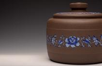 美壶定制紫砂壶 美壶定做 精品粉彩茶叶罐 浑厚大气 古朴之风 原矿段泥 - 美壶网
