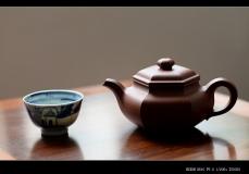 紫砂壶图片:韧度十足 油润底槽青 全手六方仿古  线条挺拔 端方雅正 - 美壶网