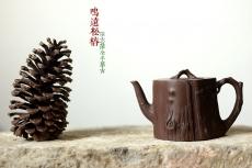 紫砂壶图片:单志萍摹古精品 全手鸣远松桩 气韵长流 俊雅之风 - 美壶网
