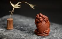 美壶定制紫砂壶 精致茶宠飞龙在天 神态逼真  原矿清水泥 - 美壶网