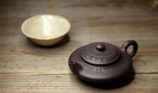 紫砂壶图片:精心之作 通景虚扁  李彦雄代表作 - 美壶网