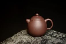 紫砂壶图片:娇小可人 老紫泥 传统经典  全手小文旦 - 全手工紫砂壶网