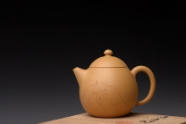 曲峰紫砂壶 传统器形  优质段泥 精工龙蛋 秀气可人 游心堂装饰 喜从天降 原矿段泥 - 美壶网