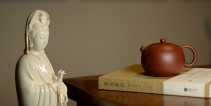 于洪霞紫砂壶 深情连连 敦厚可人 有性格的全手嵌盖如意西施o(∩_∩)o  原矿底槽清 - 美壶网