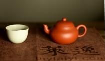 徐亚春紫砂壶 莱逸定制只为茶人 传统器形 古雅大方 优质朱泥 全手君德 原矿朱泥 - 美壶网