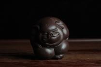 美壶定制紫砂壶 美宠特惠 一团和气猪 神态细腻 做工灰常精致 手工茶宠 原矿紫泥 - 美壶网