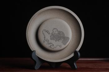 子陶紫砂壶 精工老青段壶承 干泡台 子陶刻 老者卧石 布袋弥勒 神态细腻  - 美壶网