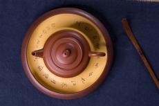 紫砂壶图片:毛国强入室弟子黄云初全手工朱泥仕圆壶 - 全手工紫砂壶网