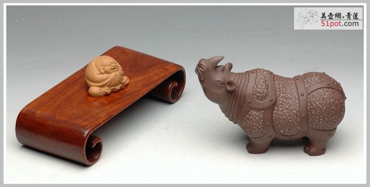 紫砂壶图片:铺金砂 精工 战牛 茶宠 - 美壶网