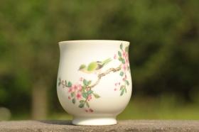 紫砂壶图片:新彩玉光白釉花鸟1 景德镇主人杯 - 美壶网