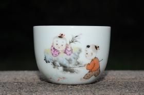 紫砂壶图片:彩绘 童子钓鱼杯 栩栩如生 景德镇主人杯 - 美壶网