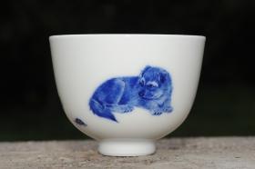 紫砂壶图片:生肖狗 景德镇全手工手绘青花主人杯  - 美壶网