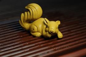紫砂壶图片:美宠特惠 精致手工茶宠段泥拉毛松鼠 神态可掬 有趣 - 美壶网
