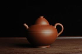 紫砂壶图片:美壶特惠 优质老清水泥 茶人醉爱 文人小雅小影壶 - 美壶网