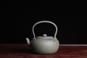 紫砂壶图片:美壶特惠 老青段 助工精工太白提梁 子陶刻对虾 - 美壶网