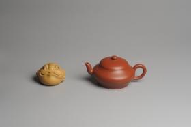 紫砂壶图片:小煤窑朱泥 全手工扁灯壶 端庄秀雅 - 美壶网