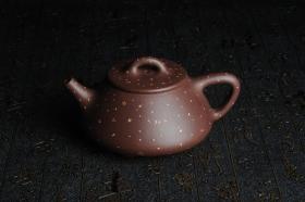 紫砂壶图片:全手工铺砂平盖小石瓢 泥料优秀 实物更漂亮 - 美壶网