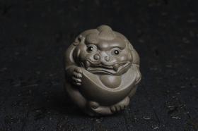 紫砂壶图片:美宠特惠 回馈壶友 精致聚财金蟾茶宠 茶盘尤物高7.5cm宽6.5cm左右 - 美壶网