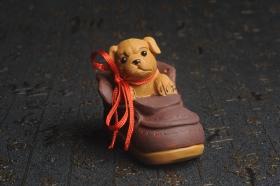 紫砂壶图片:美宠特惠 精致做工步步高升福气狗茶宠摆件 长8.8cm宽4.5到5cm高8.8cm - 美壶网