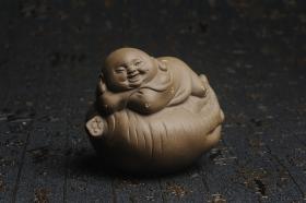 紫砂壶图片:美宠特惠 精工老青段如意人生茶宠摆件 神态细腻 长9cm宽7cm高7cm - 美壶网
