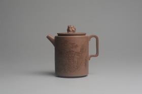 紫砂壶图片:美壶特惠 优质老段文人集狮壶 通景山水 灰常雅致 - 美壶网