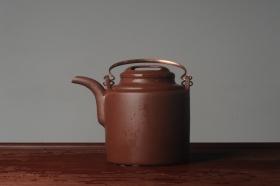 紫砂壶图片:实力派助工全手工演绎洋桶壶 大品难度大 资深壶友看过来 - 美壶网