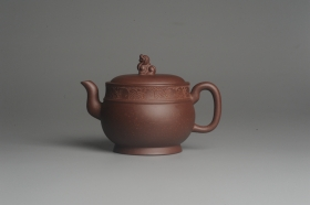 紫砂壶图片:美壶特惠 大口实用精工瑞狮壶 茶人醉爱 - 美壶网