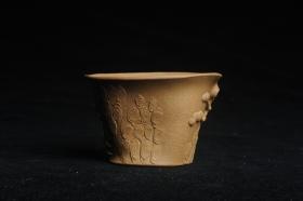 紫砂壶图片:美杯特惠 精致全手工松桩杯 肌理自然丰富 茶人醉爱 - 美壶网