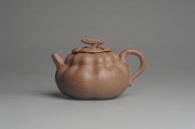 紫砂壶图片:美壶特惠 精致卡盖全手工老青段仿生小花货柿子壶 茶人醉爱 - 美壶网