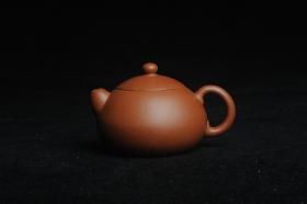 紫砂壶图片:美壶特惠 精工红降坡俏西施 小壶超难做 杀茶利器 - 美壶网
