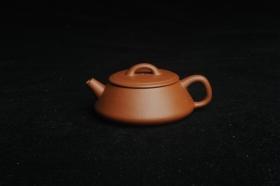 紫砂壶图片:美壶特惠 精工红降坡平盖小石瓢 小壶超难做 杀茶利器 - 美壶网