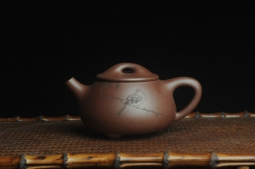 紫砂壶图片:美壶特惠 工料俱佳满瓢(霸王石瓢)装饰枯枝鸟 茶人醉爱 - 美壶网