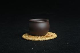 紫砂壶图片:优质老紫泥精致手工品茗杯大号主人杯 茶人醉爱 - 美壶网
