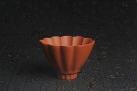 紫砂壶图片:美杯特惠 超精工厚实特好降坡泥菱花杯 主人杯 - 美壶网