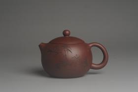 紫砂壶图片:美壶特惠 精致紫泥西施茶壶 精刻赏竹图 茶人醉爱 - 美壶网