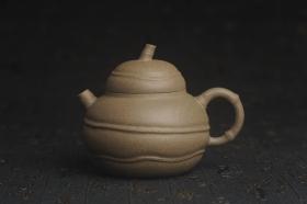紫砂壶图片:美壶特惠 精致青段薄胎 质量仅101g 大肚竹壶 - 美壶网