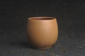 紫砂壶图片:美杯特惠 精致好泥好工厚实主人杯 茶人醉爱 - 美壶网