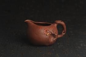 紫砂壶图片:美杯特惠 赵老师精品贴叶公道杯 茶人醉爱 - 美壶网