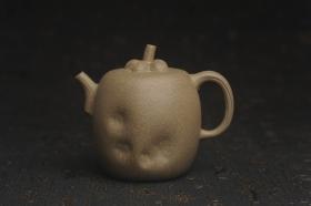 紫砂壶图片:美壶特惠 精致薄胎青段泥瓜菱壶 质量仅84g 茶人醉爱 - 美壶网