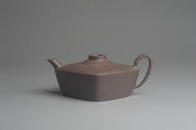 紫砂壶图片:美壶特惠 精致青灰段泥四方无名壶 茶人醉爱 - 美壶网
