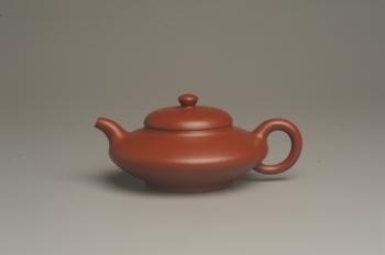紫砂壶图片:小煤窑朱泥精致全手工小合欢壶 茶人醉爱 - 宜兴紫砂壶网