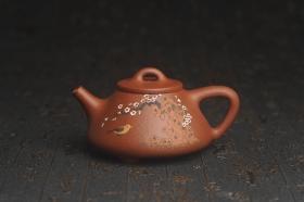 紫砂壶图片:美壶特惠 超精致特好降坡泥小品子冶石瓢 泥绘梅花鸟 特文气 - 美壶网