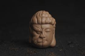 紫砂壶图片:美宠特惠 回馈壶友 精致青段泥是佛是魔 一念之间 手把件茶宠高5.8cm宽4.5cm左右 - 美壶网