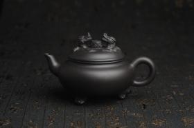 紫砂壶图片:美壶年底特惠 精致优质黑料双龙祥云壶 - 美壶网