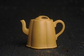 紫砂壶图片:美壶特惠 精致黄金段泥井泉壶 茶壶 茶人醉爱 - 美壶网