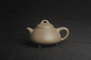 紫砂壶图片:美壶特惠 特好高温青段泥精致乳瓢茶壶 矿物质丰富 茶人最爱 - 宜兴紫砂壶网