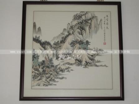 毕业于黄山书画院国画系,擅长山水,工笔牡丹,松梅,猛虎,攻篆刻,中国